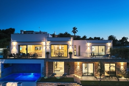 Contemporary villa located in LA NAPOULE with sea view - RFC41830918VV