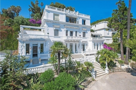 Unique property by the sea in Cannes - RFC42011018VV